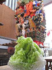 カフェ:飾り山の前で宇治金時を食べよう@川端ぜんざい・博多川端商店街