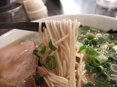 ランチ:ラーメン麺@博多長浜らーめん風び・中州川端店