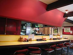 店内:カウンター・小上がり・テーブル@中華料理・大楠飯店