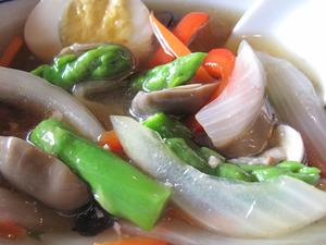 22カオカーム(タイ風てびち)野菜@カフェくるくま