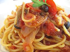 料理:きのこのトマトソースアップ@生パスタの店アンチョビ・平尾
