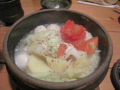 8夜:テールスープの野菜土鍋850円@浪漫・居酒屋・大手門