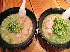 料理:とんこつらーめん550円とねぎ山600円@らーめん将・博多駅南