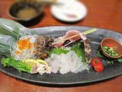 10虎魚(おこぜ)の活造り半身サイズ@海の路