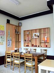 3店内:テーブル席@うどん盛安・福岡大学近く