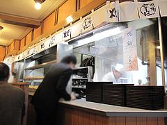 4店内:注文カウンター@因幡うどん・渡辺通店