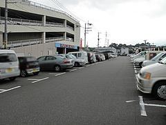 13ランチ:パチンコ屋さんの駐車場@18(いっぱち)ラーメン・春日・大土居店