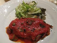 12ランチ:牛ロースのソテー・ピザ職人風トマトソース@イタリアンレストラン・天神・西鉄グランドホテル・マンジャーモ
