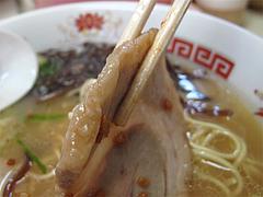 料理:とんこつラーメンのチャーシュー@ラーメンぽんぽこ亭大橋店