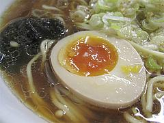 料理:正油らーめんの味玉子@博多めんとく屋(麺篤屋)