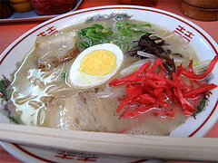 料理:ラーメン500円@どんどん餃子・吉塚