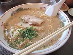 料理:ラーメン500円@嘘の三八・ベイサイドプレイス博多