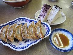 9ランチ;お昼のサービス定食の餃子とおにぎり@長浜ラーメン・一心亭本店・小田部