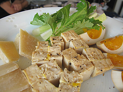 1燻製豆腐燻香と燻製たまご@燻製工房燻香(けむか)・春日