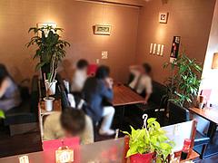 店内:テーブル席@あきこのちゃんぽん・薬院