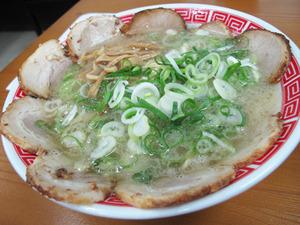 15チャーシュー麺こってり900円@赤のれん&とん吉