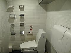店内:トイレ・おむつ交換台の設置@ラーメン一蘭・西通り店・天神