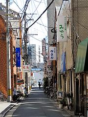 外観:お店のある通り@はかたっ子・ラーメン・天神