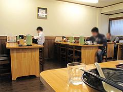店内:テーブル席@麺工房はいど・博多区・吉塚