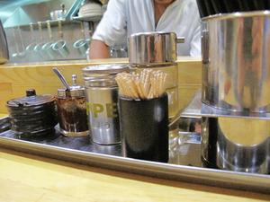 15酢・ラー油・七味・にんにく@麺屋光喜