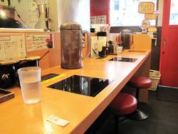 4カウンターとテーブル@博多一幸舎・大名本家