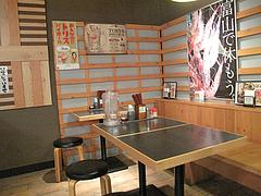 店内:テーブル@麺家いろは・富山ブラック・キャナルシティ・ラーメンスタジアム