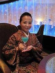 店内:チャイナーブルー飲む。@バロン・オークラ・バー・ホテルオークラ福岡