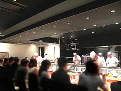 22店内:カウンター席@たつみ寿司・総本店・博多座裏