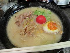 料理:博多発祥白濁中華そば600円@博多発祥中華そば・鶴と亀