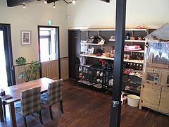 21店内:雑貨コーナー@baby's cafe(ベイビーズカフェ)・ドッグカフェ