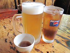 料理:生ビール525円とウーロン茶210円@地鶏炭火焼・佐土野家・湯布院(由布院)