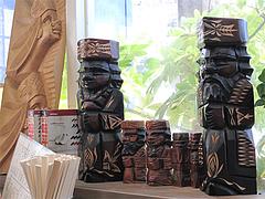店内:アイヌ民芸品@札幌ラーメンえぞっ子若久店