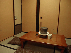 店内:2階座敷@博多鶏と麺こはる・ラーメン居酒屋