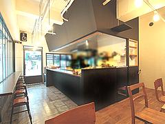 3店内:カウンター・テーブル@サンディッシュ・カフェ・美野島