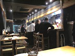 3店内:カウンター・テーブル@とり乃屋・西中洲