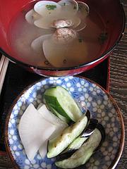 10ランチ:貝汁と漬物@焼とり筑ぜん・博多駅前