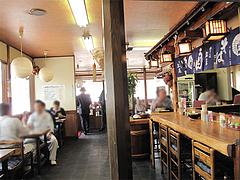 2店内:テーブル・カウンター@博多・庄屋うどん・別府