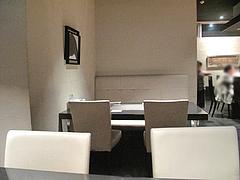3店内:テーブル席@たつみ寿司・総本店・博多座裏