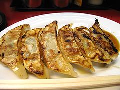 料理:ぎょうざ300円@ラーメン新月・西新