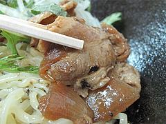 店内:涼麺の肉@しばらく平和台店・大手門