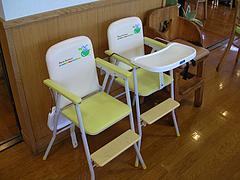 4店内:幼児用椅子・ベビーチェア・満席@JAにじ・耳納の里・バイキングレストラン夢キッチン