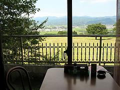 8店内:窓際のテーブル@福岡・吉井・豚足・山歩(さんぽ)