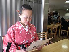 4店内:窓際のテーブル席@にい好(ニイハオ)朋友・六本松