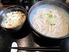 料理:豚つけうどん(普通盛)690円@博多つけうどん・忍々・櫛田神社前