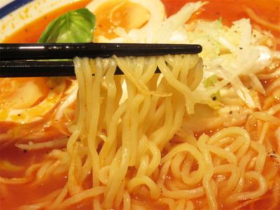 11トマトラーメン麺