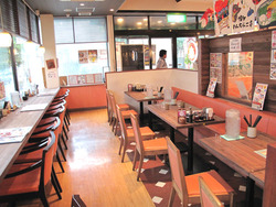 2テーブルとカウンター@博多めんちゃんこ亭・大橋