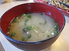ランチ:味噌汁@麺焼そば・バソキ屋