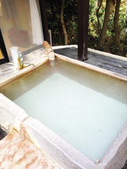 8露天風呂がん見@旅館・四つ葉
