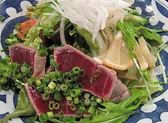 料理:天然本マグロのたたきサラダ@大衆居酒屋・気晴れ屋