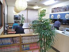 3店内:テーブルと小上がり@ごはん亭・清水